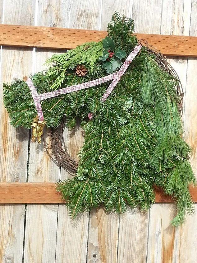 horse head wreath for christmas, christmas decorations, crafts, seasonal holiday decor, wreaths