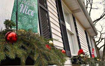 Naughty And Nice Holiday Window Boxes