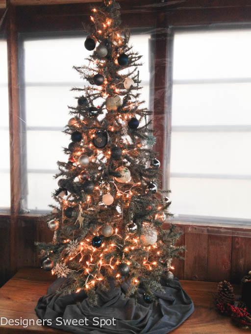 spray painted christmas tree, christmas decorations, home decor, painting, seasonal holiday decor