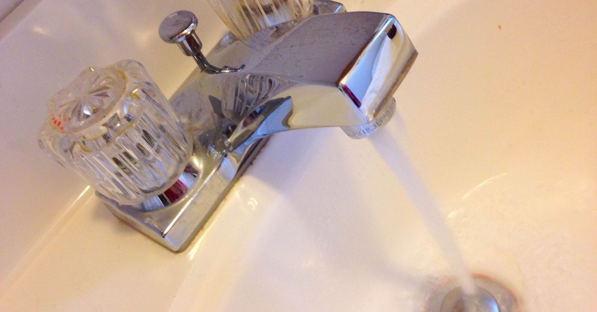 Moldy-smelling water from bathroom faucet | Hometalk