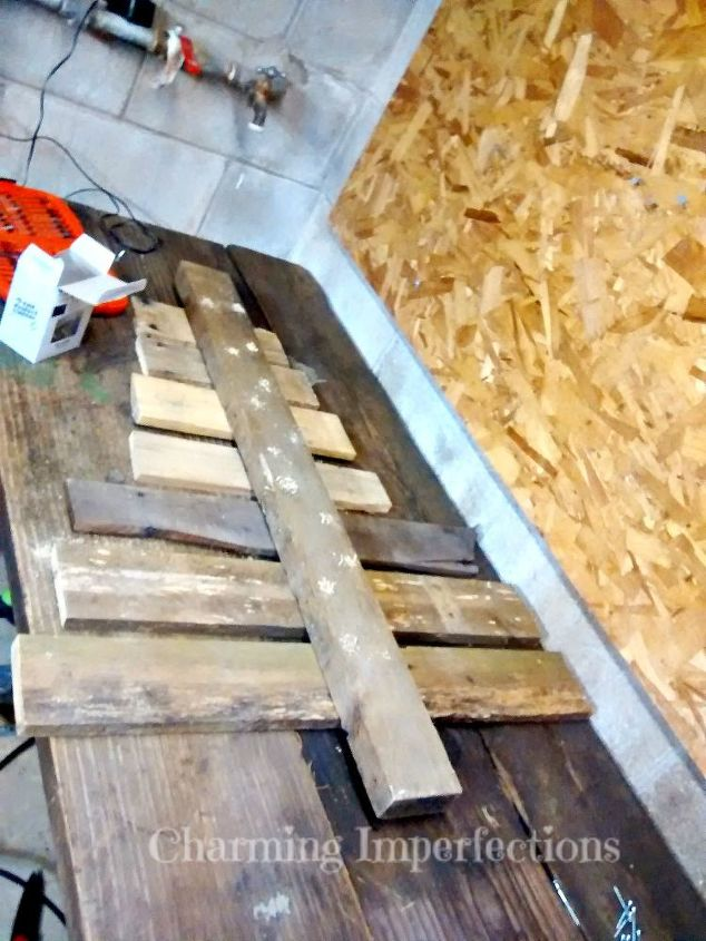 how to make a rustic pallet christmas tree, christmas decorations, pallet, seasonal holiday decor, woodworking projects