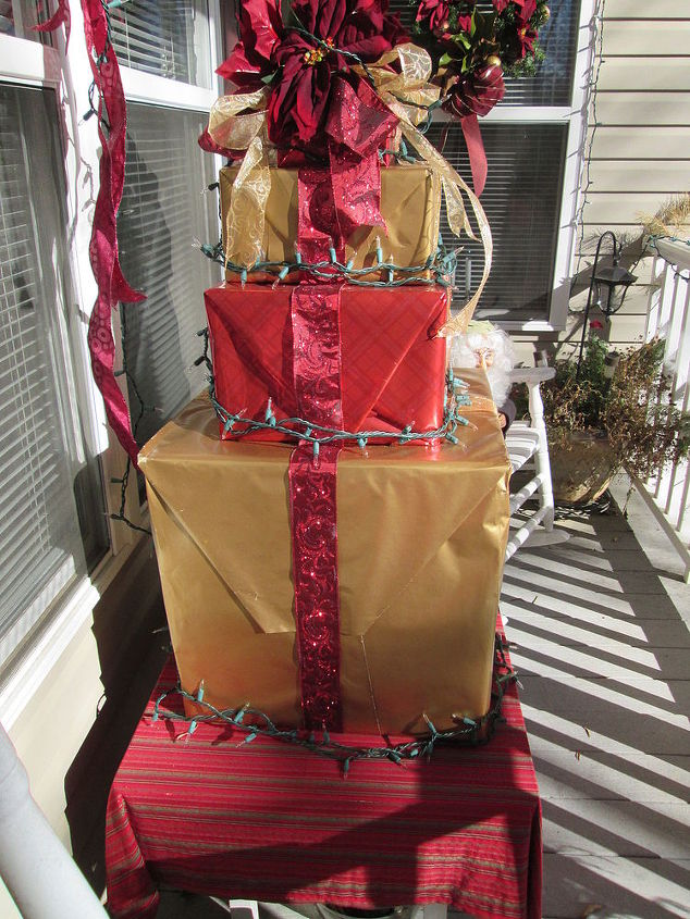 Best How to Make a Present Christmas Tree out of Recycled Boxes | Hometalk FD25