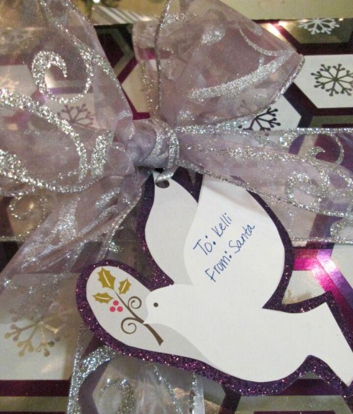 diy gift tags, christmas decorations, crafts, repurposing upcycling, seasonal holiday decor