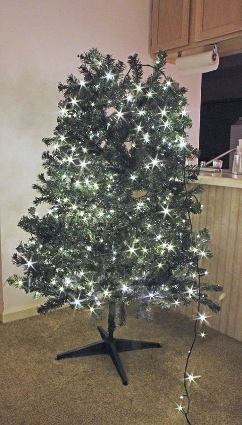 how to light ribbon and decorate a christmas tree christmas decorations how to