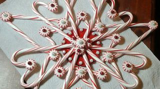 q candy cane christmas star, christmas decorations, crafts, repurposing upcycling, seasonal holiday decor