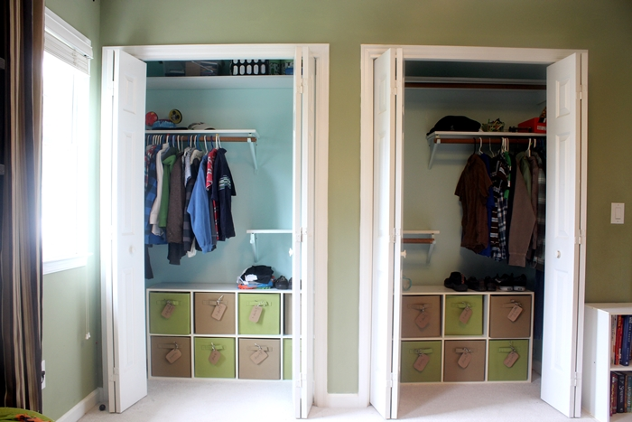 organizing kids clothes in closet, bedroom ideas, closet, organizing