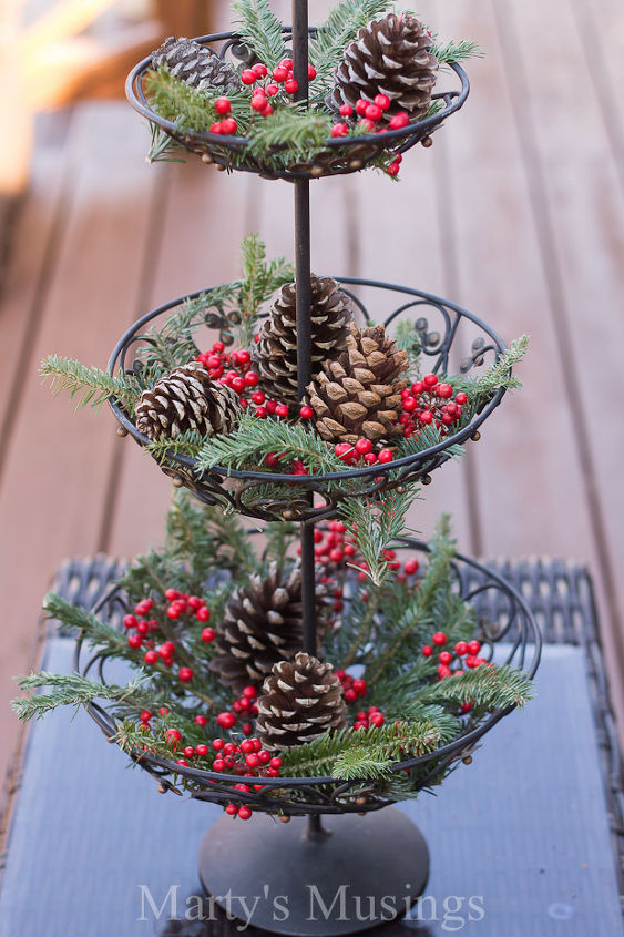 easy christmas outdoor decorations christmas decorations porches repurposing upcycling seasonal holiday decor
