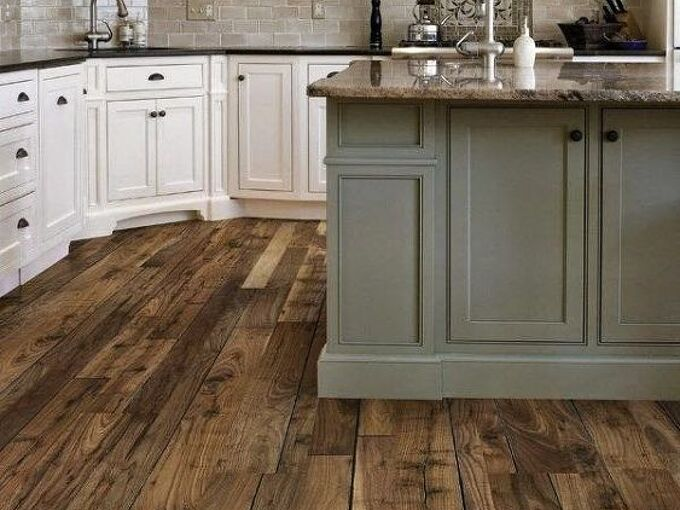 Vinyl Plank Woodlook Floor Versus Engineered Hardwood Hometalk - Does vinyl flooring look cheap