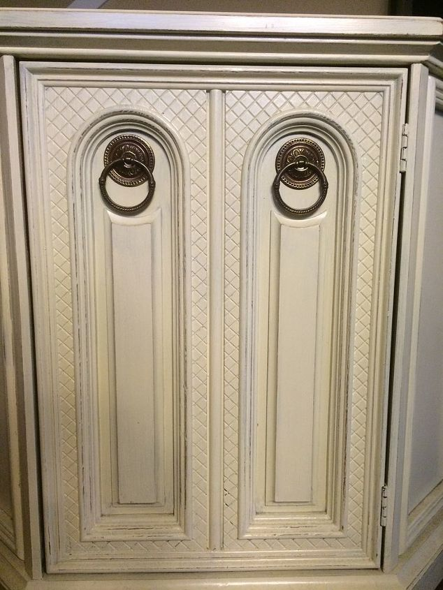 q color ideas for distressing funky tv stand, chalk paint, More detail of front panel