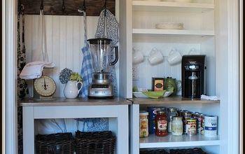 Vintage Farmhouse Style Pantry