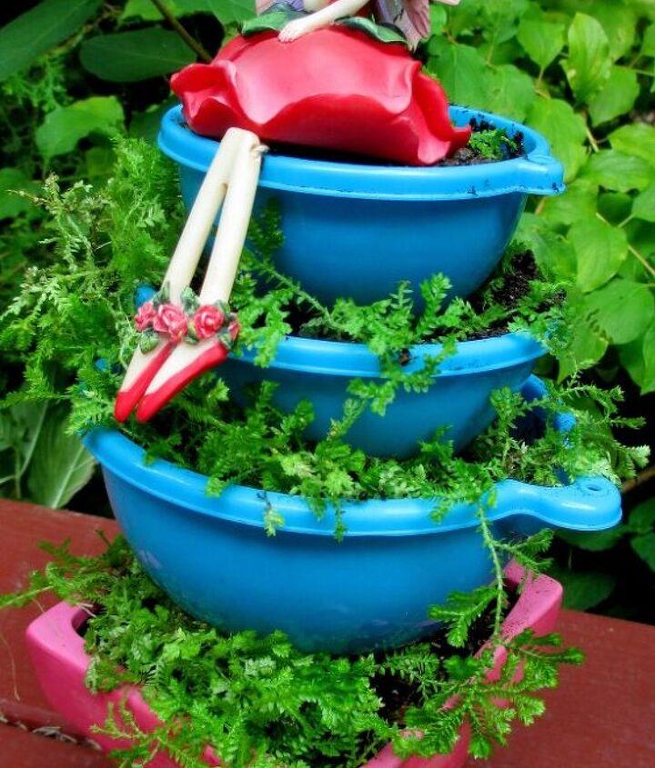 Dollar Store mixing bowl planter
