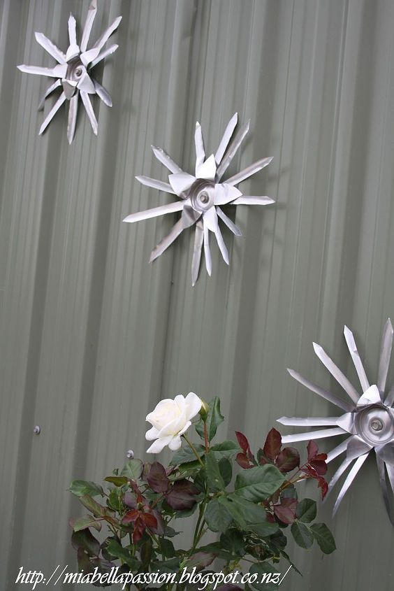 diy starburst can flowers, crafts, repurposing upcycling