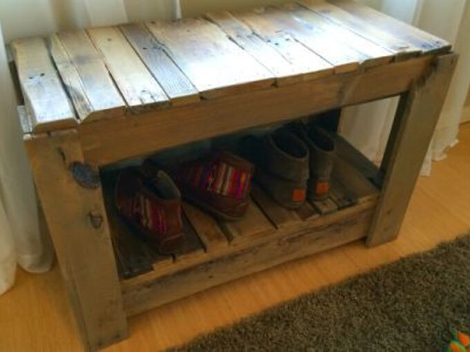wood pallet shoe bench, foyer, pallet, repurposing upcycling