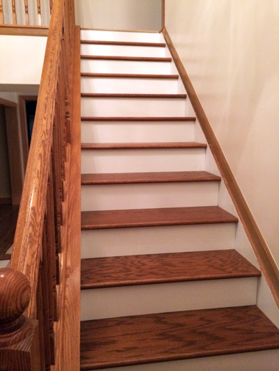 The Clic Look Dark Treads And White Risers Diy Stairs Woodworking Projects