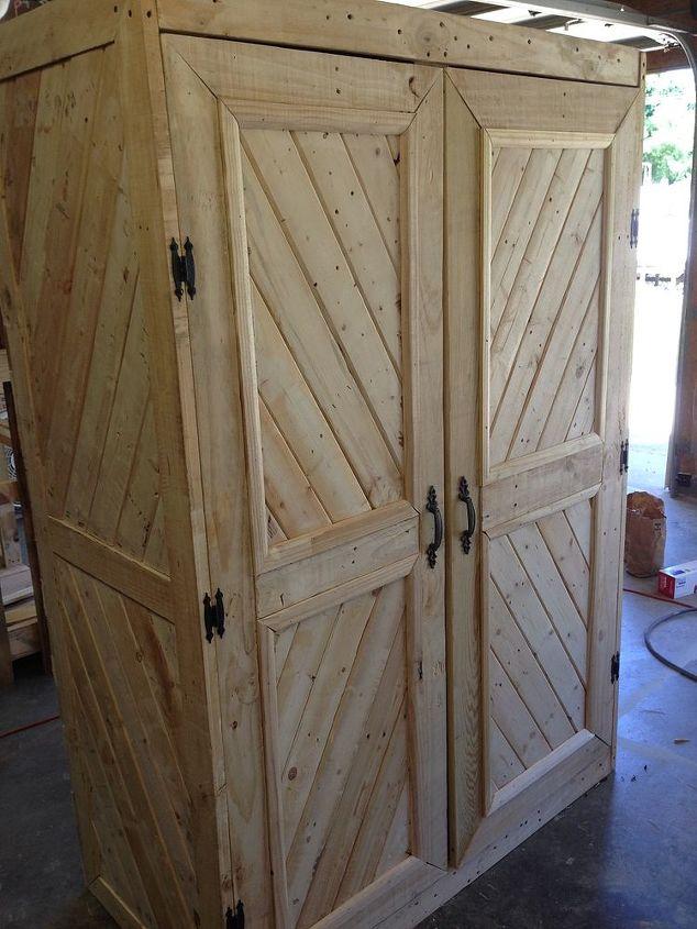 Repurposed Pallet Gun Cabinet   Hometalk