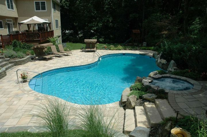 Award-winning Project: Freeform Vinyl Pool/Spa in Manhasset, NY ...