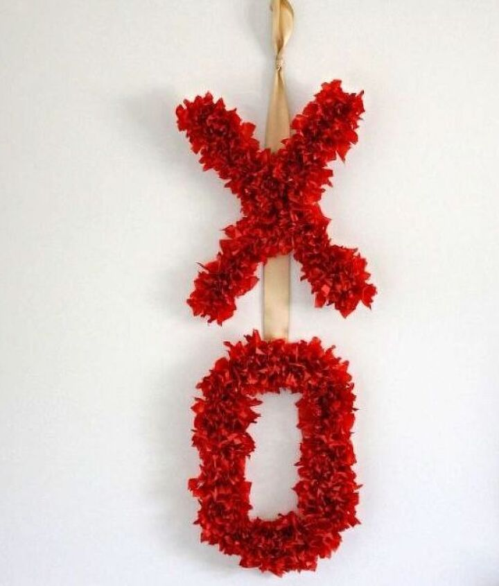 diy valentine s day wreath made from tissue paper, crafts, how to, seasonal holiday decor, valentines day ideas, wreaths