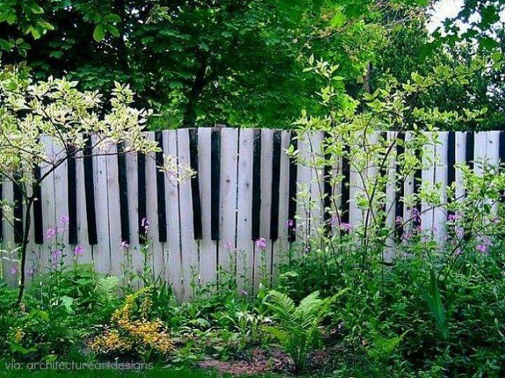 15 Cool and Creative Garden Fence Ideas | Hometalk