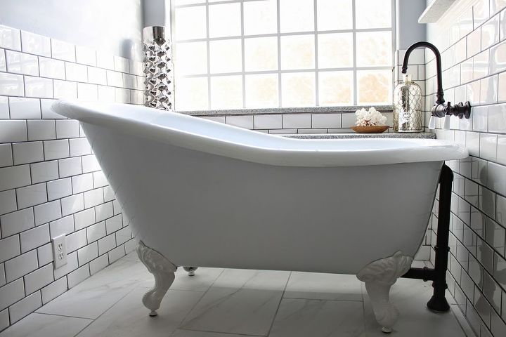 A soaking tub is just so relaxing!