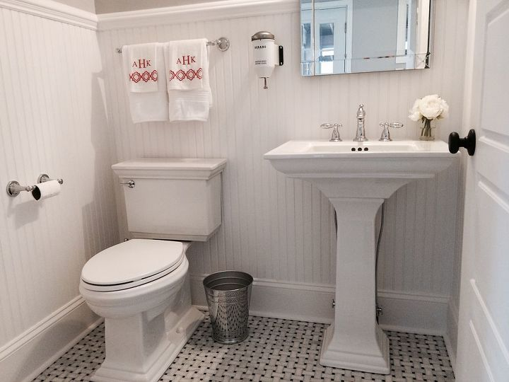 Half Bathroom Or Powder Room: Powder Room Makeover