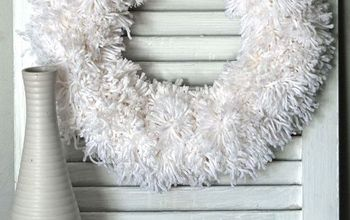 Easy Winter Pom Pom Wreath