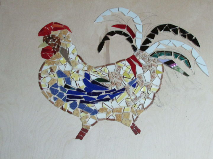 Left over broken glass mosaic art piece hometalk for Broken glass crafts