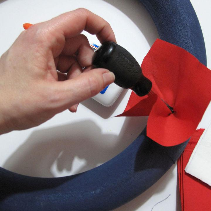 nfl wreath, crafts, how to, seasonal holiday decor, wreaths