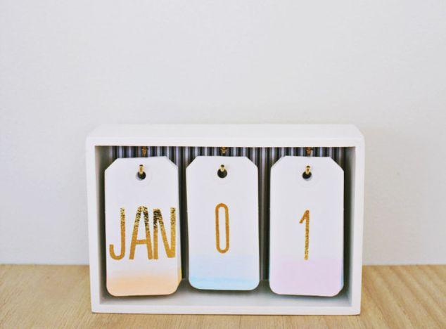 Diy Locker Calendar : Diy desk calendar hometalk