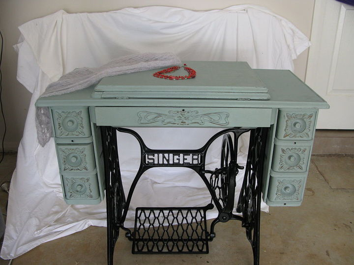 Singer Treadle Sewing Machine Cabinet, How To Refinish An Old Singer Sewing Machine Cabinet