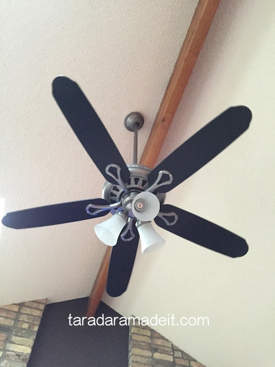 Paint your ceiling fan without removing it from the ceiling paint your ceiling fan without removing it from the ceiling how to painting mozeypictures Choice Image