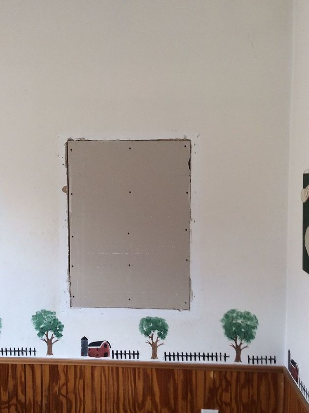 q sheetrock repair, diy, home maintenance repairs, how to, painting, You can see here that it is in the middle of the wall I can t paint this room until it is repaired
