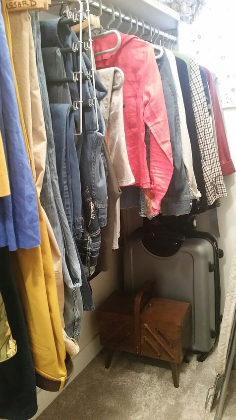 cable strap hack storage solution, bedroom ideas, closet, organizing, repurposing upcycling, storage ideas