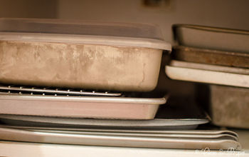3 Tricks to Clean Baking Sheets