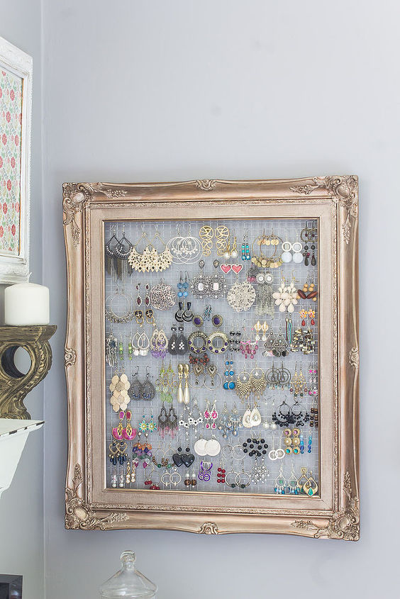 Repurposed Frame and Chicken Wire to Earring Organizer   Hometalk