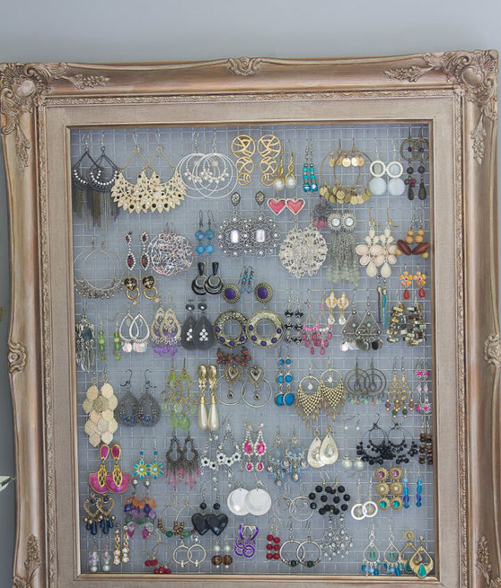what can you make with a 1 frame and some chicken wire, bedroom ideas, crafts, organizing, repurposing upcycling, wall decor