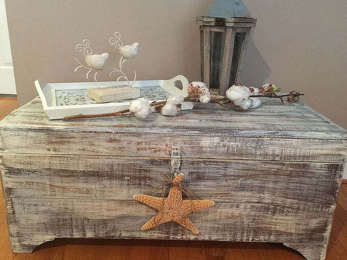 old trunk makeover, chalk paint, painted furniture, repurposing upcycling