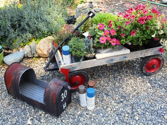 make a garden planter from a mailbox, container gardening, flowers, gardening, repurposing upcycling