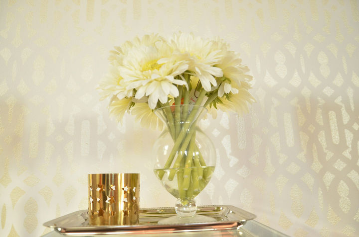 Moroccan Stenciled Accent Wall In Glamorous Metallic Gold | Hometalk
