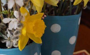 upcycled rain boots, crafts, flowers, gardening, home decor, repurposing upcycling, seasonal holiday decor