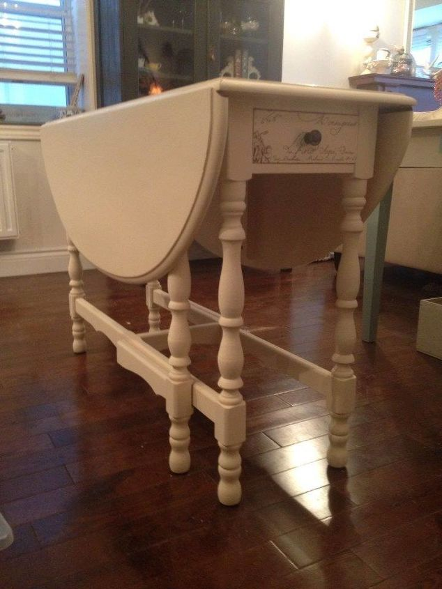 https://cdn-fastly.hometalk.com/media/2015/04/04/2749129/pretty-painted-side-tables-and-matching-dining-room-drop-gate-table-painted-furniture.jpg?size=634x922&nocrop=1