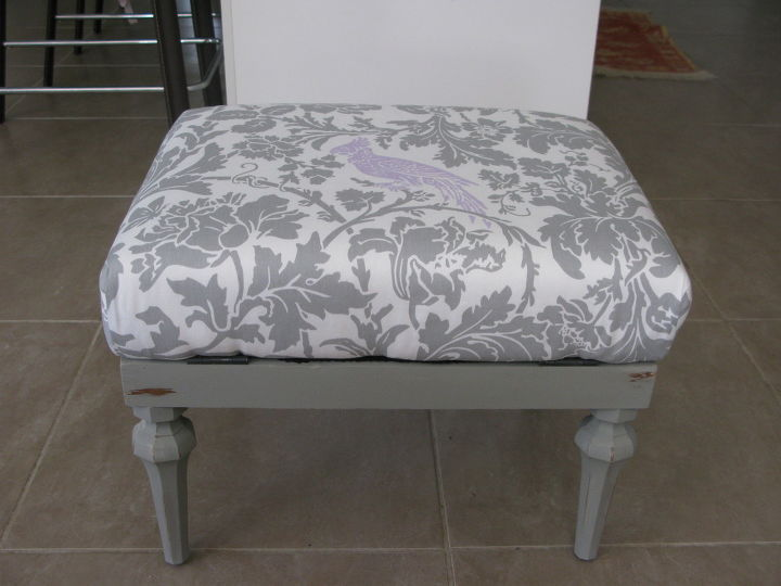 Groovy Ugly Grey Vinyl Foot Stool Gets A Pretty Makeover Hometalk Download Free Architecture Designs Scobabritishbridgeorg