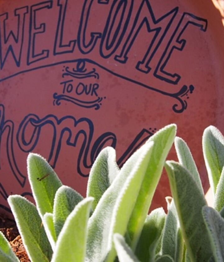 terra cotta welcome sign, crafts, gardening, repurposing upcycling