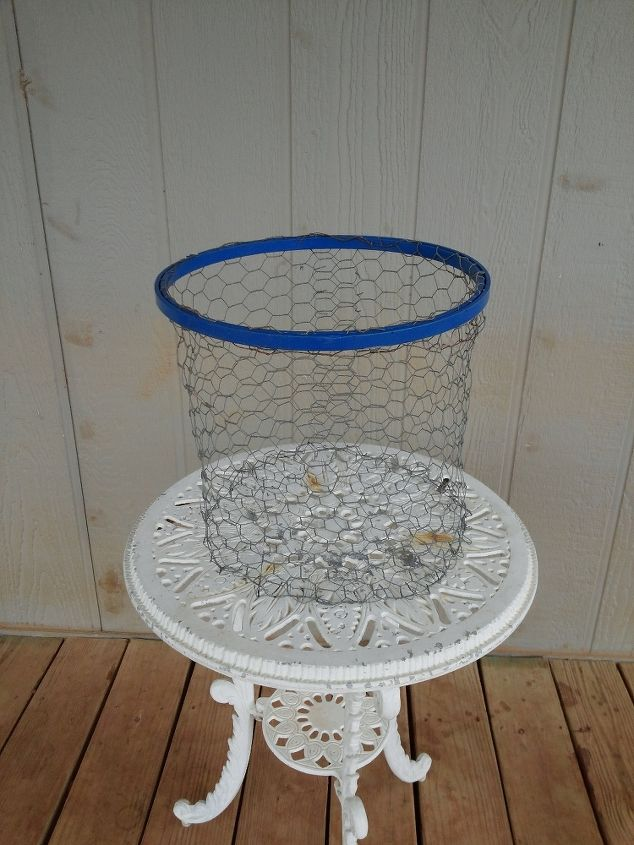 DIY Waste Basket From Painted Embroidery Hoop And Chicken Wire