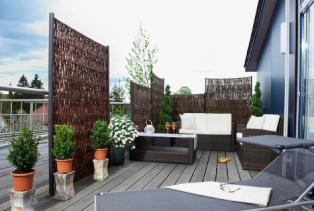 For Small Outdoor Space Decor Ideas For Small Outdoor ... on Urban Living Outdoor id=40107