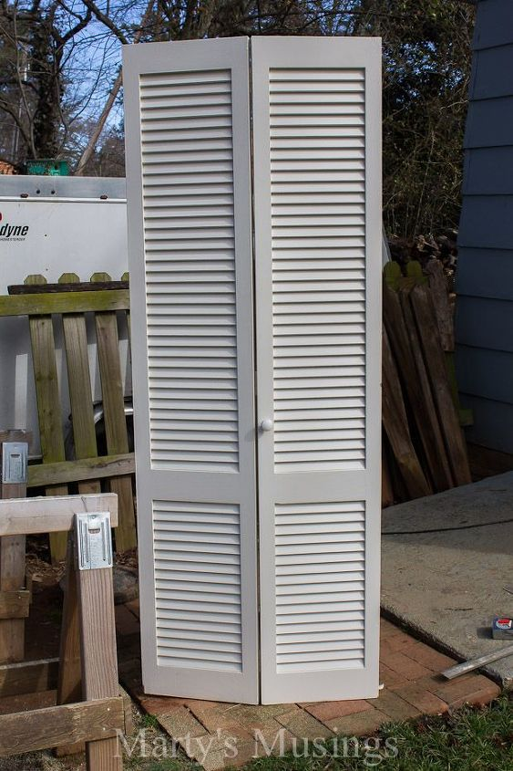 Repurposed old closet door to headboard hometalk what can you make with an old closet door see what this diyer made bedroom eventshaper