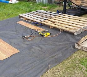 Diy Pallet Basketball Court, Diy, How To, Outdoor Furniture, Pallet,  Repurposing