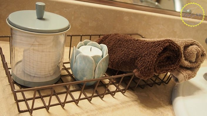 Wire Baskets to Hold Toiletries and Towels in the Bathroom