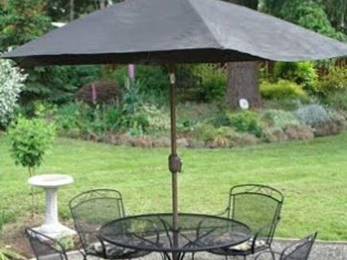 Refresh A Faded Outdoor Umbrella With Spray Paint Hometalk