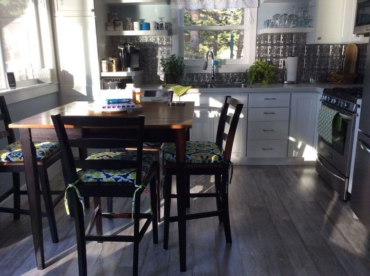 q paint color suggestion for kitchen table and chairs, kitchen design, painted furniture, This is the black table I would like to change