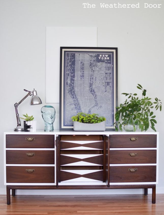 Preferred Mid Century Modern High Gloss Credenza With Geometric Drawers  RD06